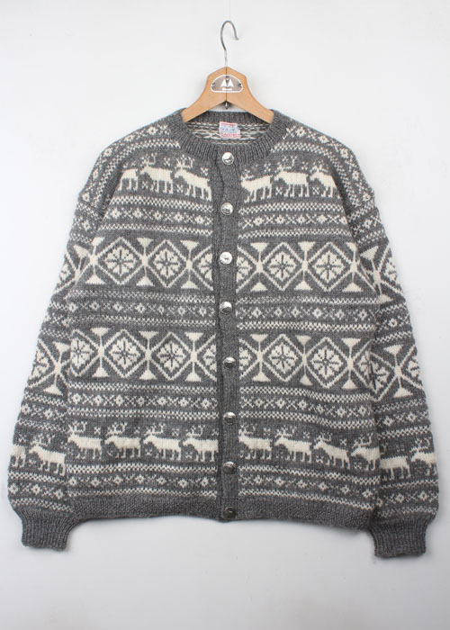 O.ALLERS A wool sweater cardigan