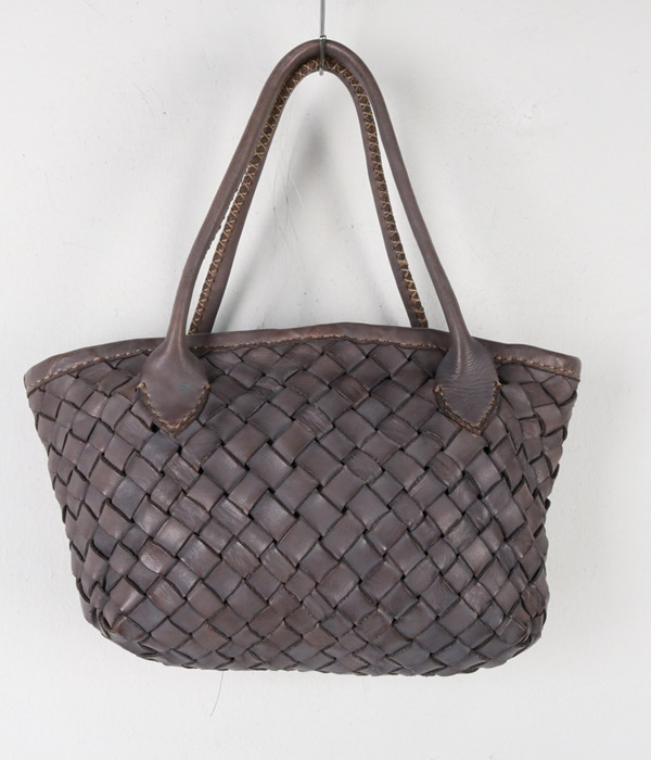 robita weaving leather