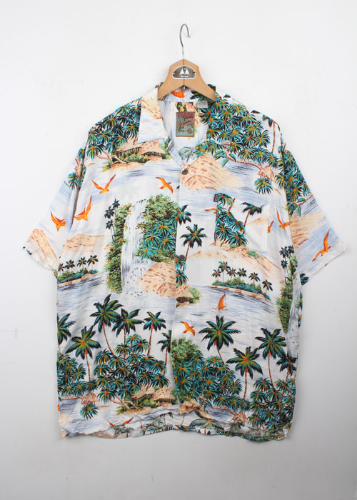 Pineapple Connection hawaian shirts