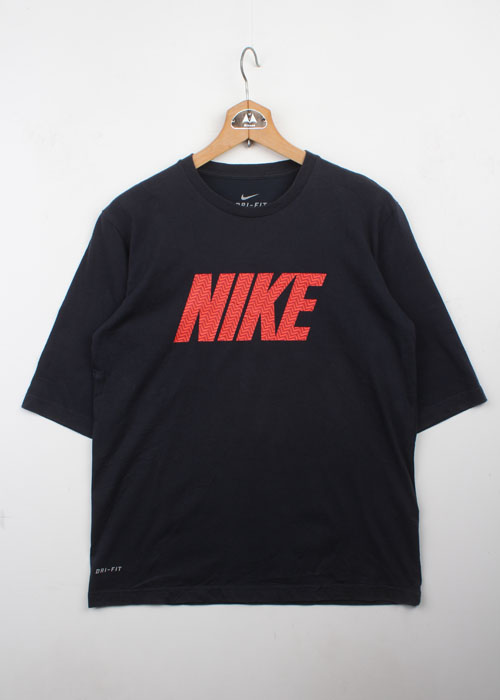 NIKE 7/10 sleeve t-shirts