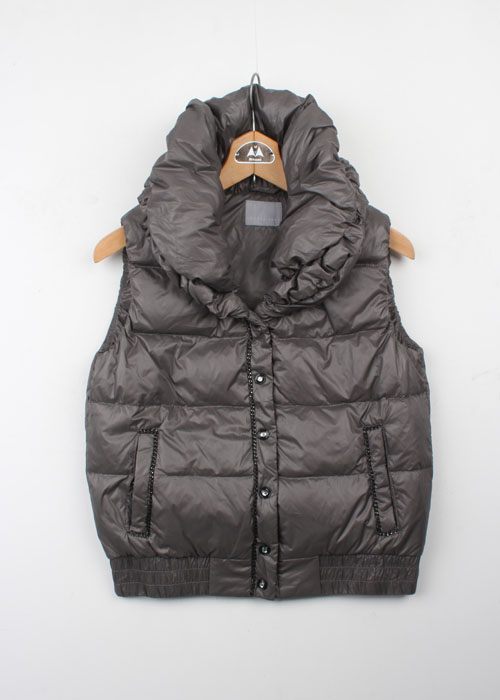 theory luxe down vest
