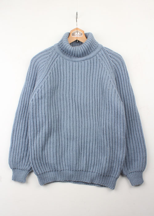 HIGHLAND CLUB turtle neck wool sweater