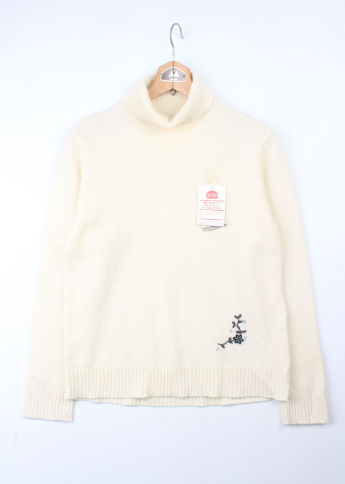 turtle neck wool knit
