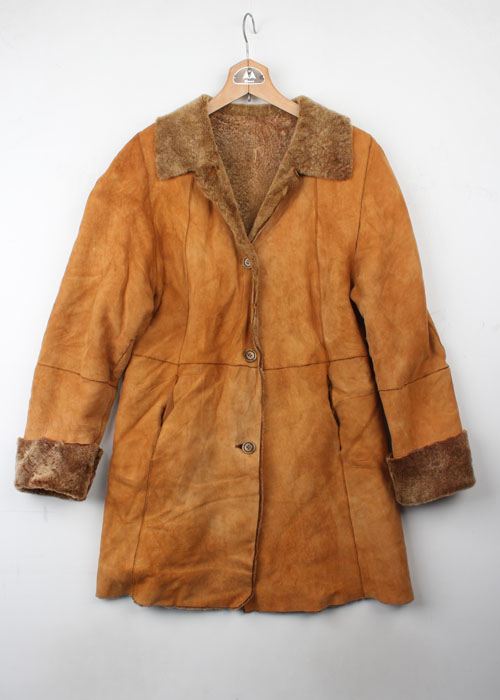 shearing sheep skin mouton coat