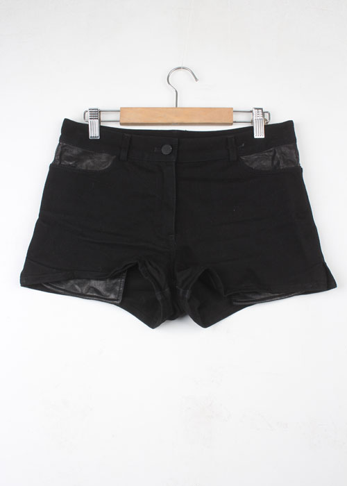 T by ALEXANDER WANG leather detail shorts