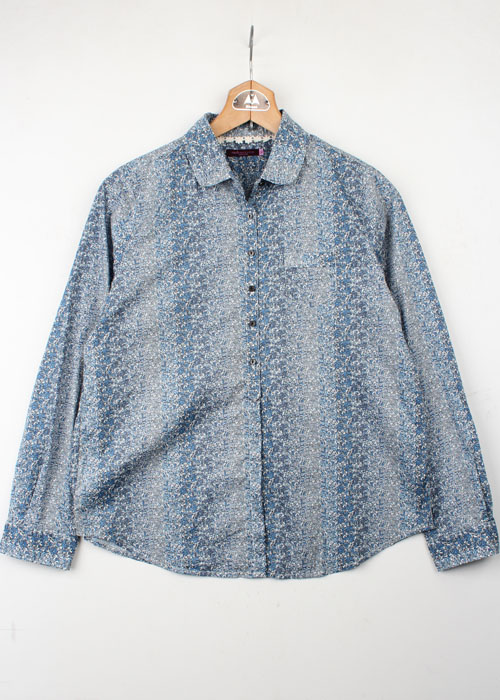 earth music&ecology floral shirts