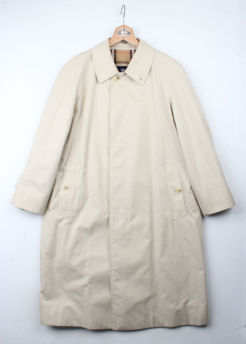 BURBERRY LONDON single coat