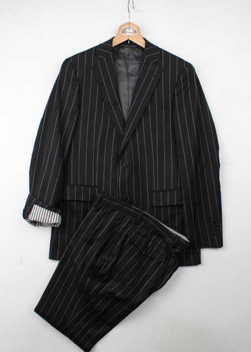 THE SUIT COMPANY stripe set-up