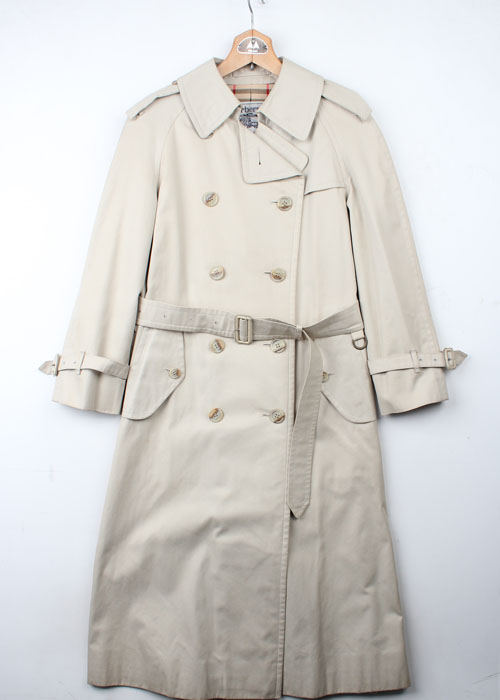 Burberrys trench coat (women)