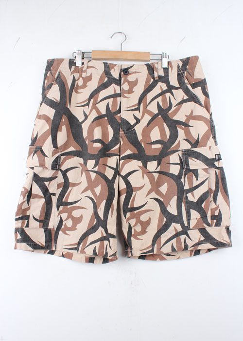 A BATHING APE camo pattern shorts(34~36)