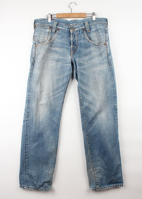 Levi's RED selvedge jeans(32)