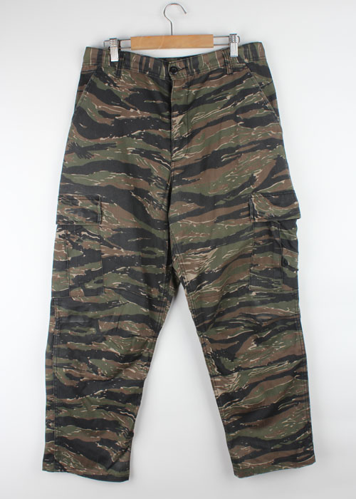 ROTHCO tiger camo pants(~34)