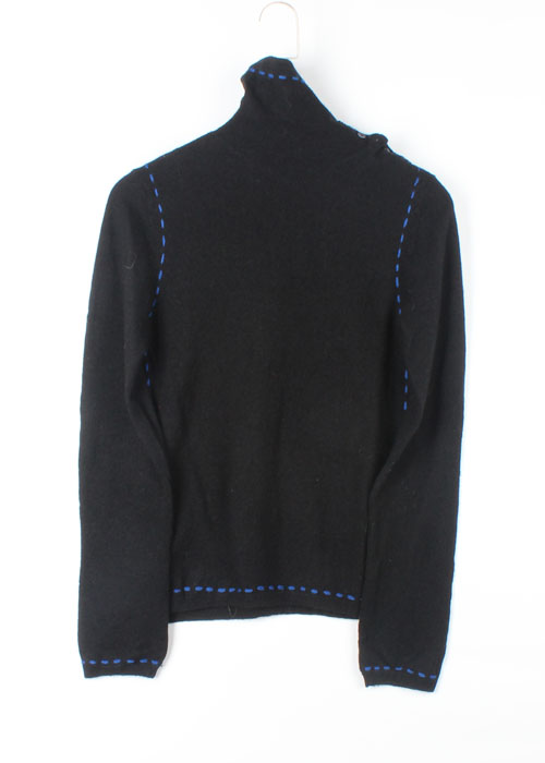 as know as turtle neck wool knit