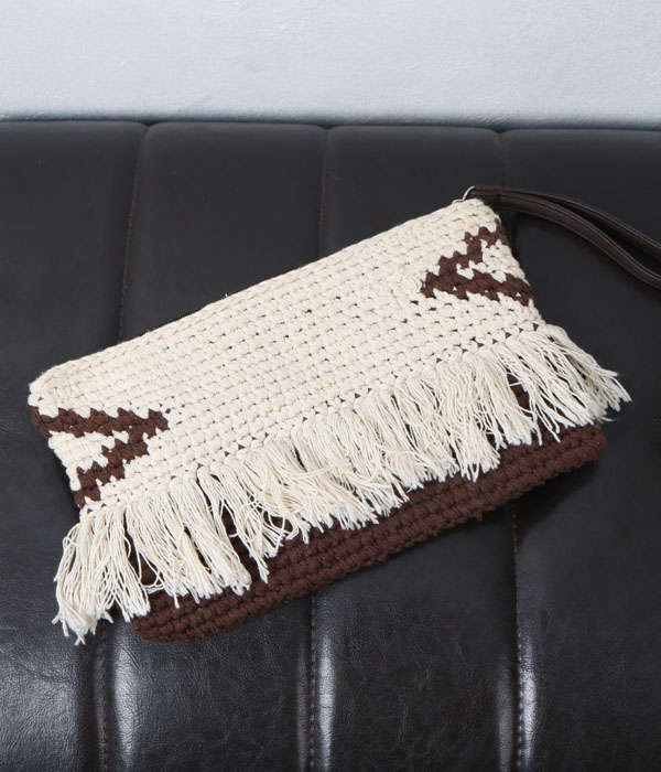 AZUL by moussy weaving clutch