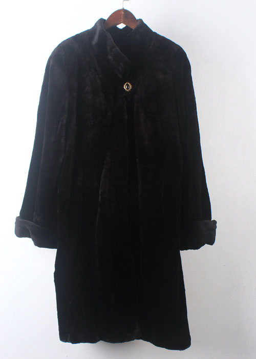 MOONBAT shearring mink coat