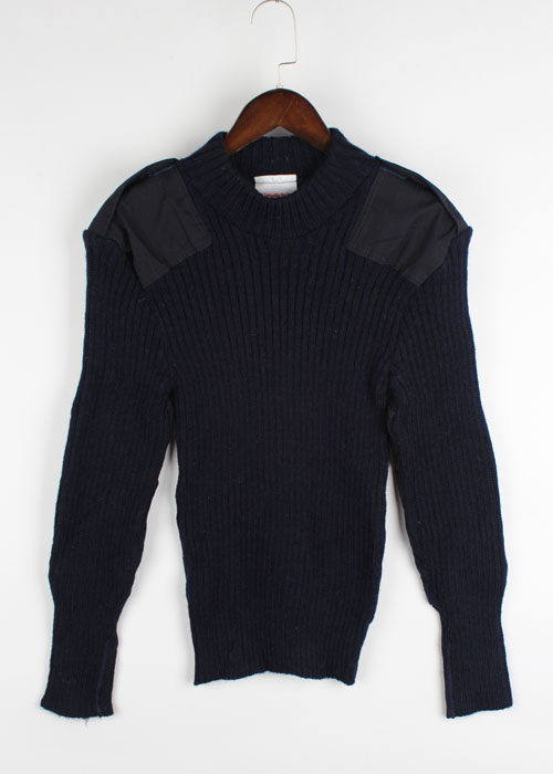 THE WOOLLY PULLY comanda wool sweater
