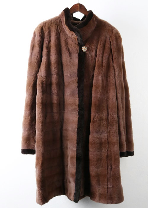 MOONBAT shearing mink coat