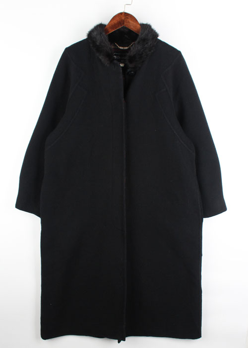 Christian Ada wool coat