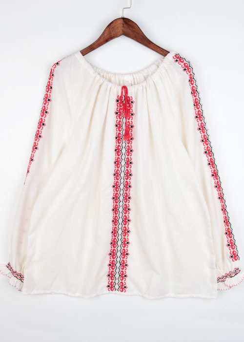 vtg hungary embroid blouse