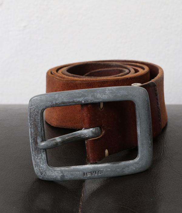 Levi's leather belt