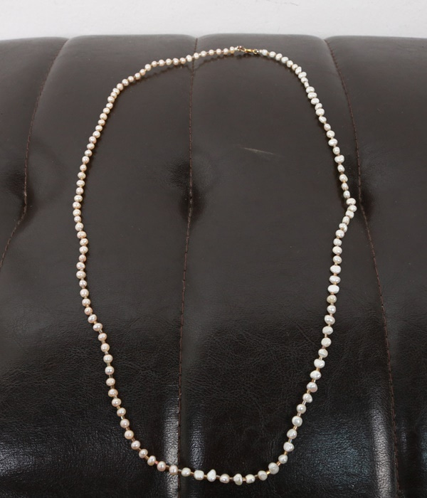 pearl neck lace